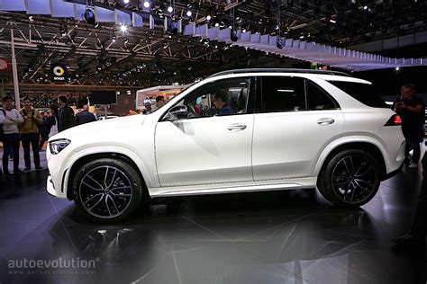 2019 Mercedes-Benz GLE Shows Purebred SUV Prowess in Paris