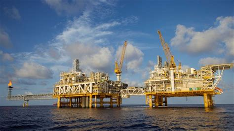 ConocoPhillips pipes gas to from the platform to Darwin
