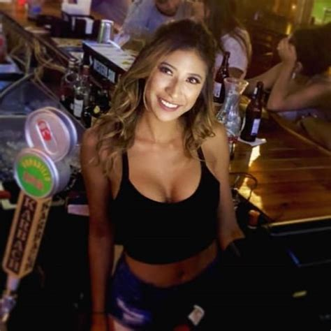 Beautiful and sexy bartenders (24 photos) - BreakBrunch