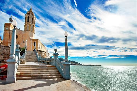 Let yourself be seduced by the charm of Sitges | MAX Tourism